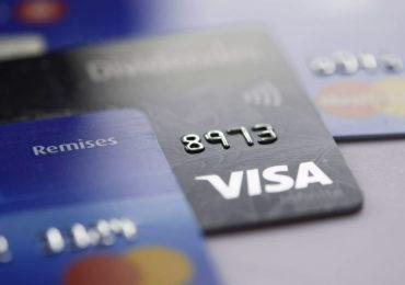 Senado aprova PL que limita juros do cartão e cheque especial