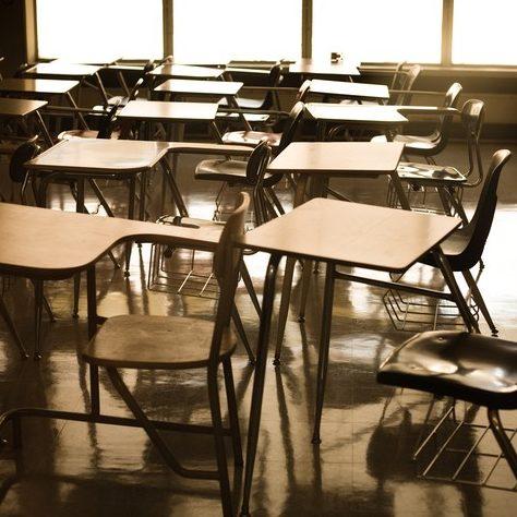 Escolas de nove estados e DF reiniciam aulas presenciais