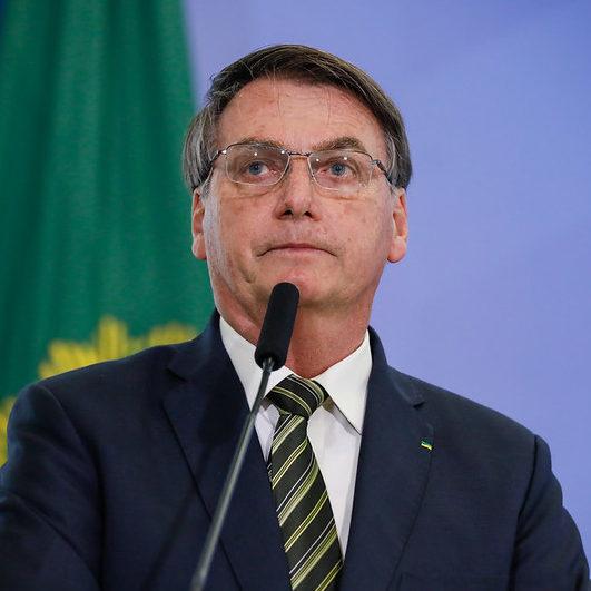 Bolsonaro anuncia salário mínimo de R$ 1.100