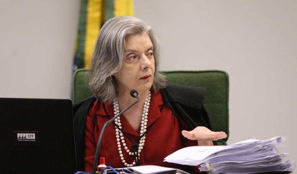 Cármen Lúcia vota por suspender relatório contra antifascistas