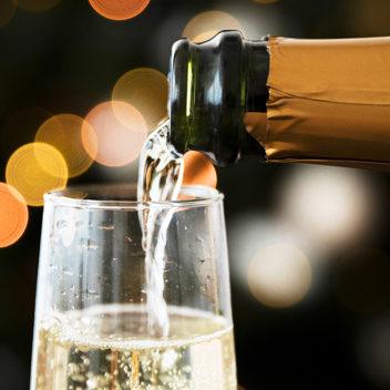 Falta de festas leva crise histórica ao setor de champagne
