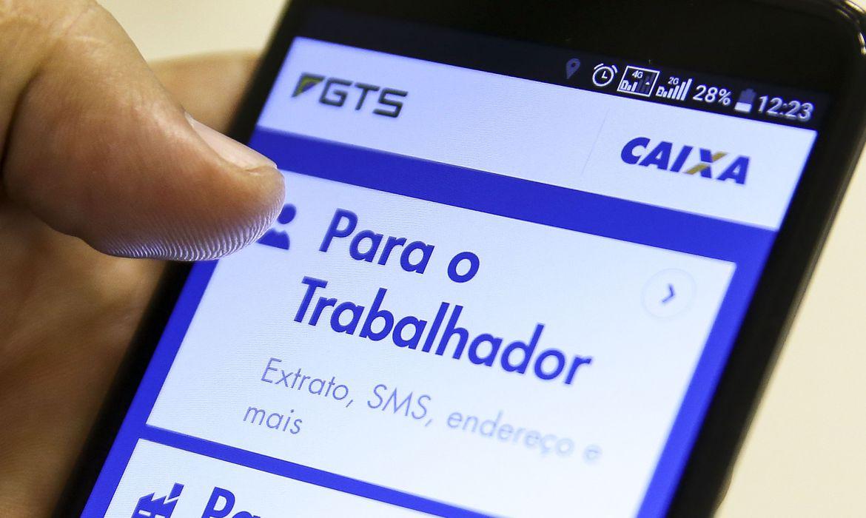 Conselho do FGTS aprova distribuir R$ 7,5 bi para trabalhadores