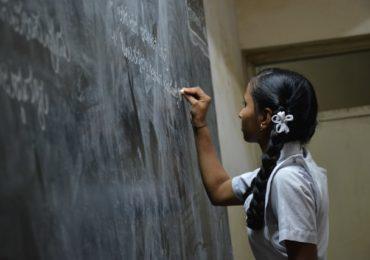 """Mundo pode """"redesenhar a educação"""" na era pós-Covid-19"""