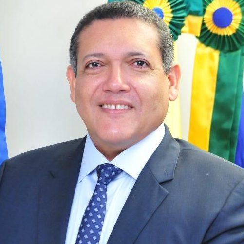 Bolsonaro confirma indicação de Kássio Nunes para o STF