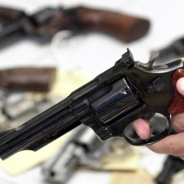 Ampliação da posse de armas aniversaria cercada por debates