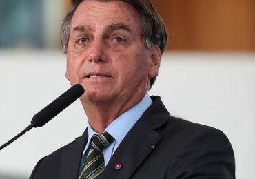 Bolsonaro confirma nova fase do auxílio e espera PEC do Congresso