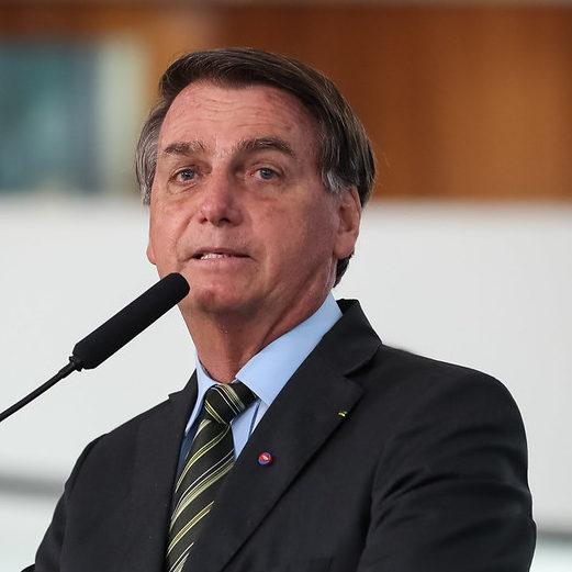 Bolsonaro descarta Renda Brasil e vai manter Bolsa Família