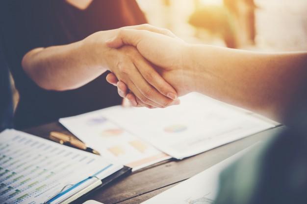Empresas que focam no cliente superam melhor as crises