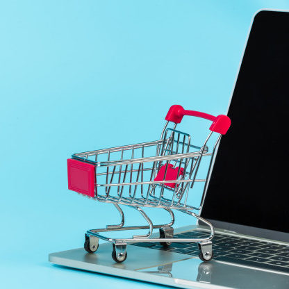 Número de golpes na internet faz clientes desistirem da compra