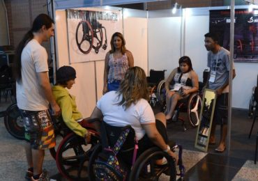 Cartilha vai aliar relações de consumo e direitos dos deficientes