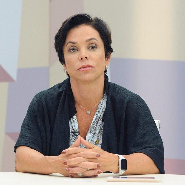 Ex-deputada Cristiane Brasil se entrega à polícia no Rio de Janeiro