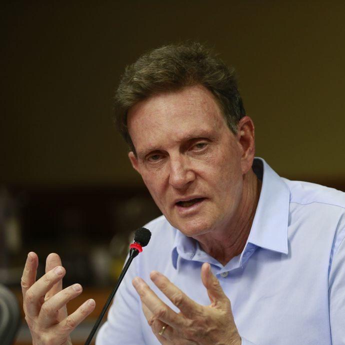 Prefeito do Rio é alvo de operação que investiga propina