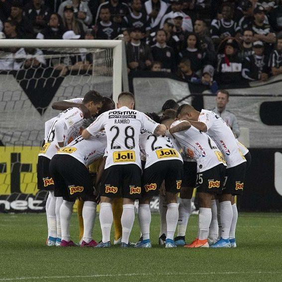 Brasileirão: Corinthians volta a vencer e técnico agradece empenho da equipe