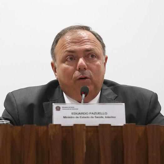 Bolsonaro vai efetivar Eduardo Pazuello como ministro da Saúde