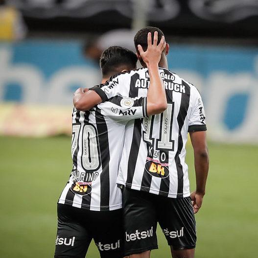 Jogadores do Atlético-MG dominam Seleção da rodada do Brasileirão