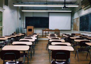 MEC determina aulas presenciais em universidades federais em 2021