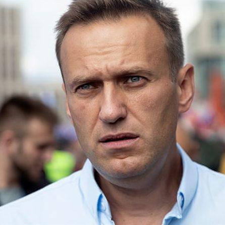 Equipe de Navalny diz que ele foi envenenado em hotel na Sibéria