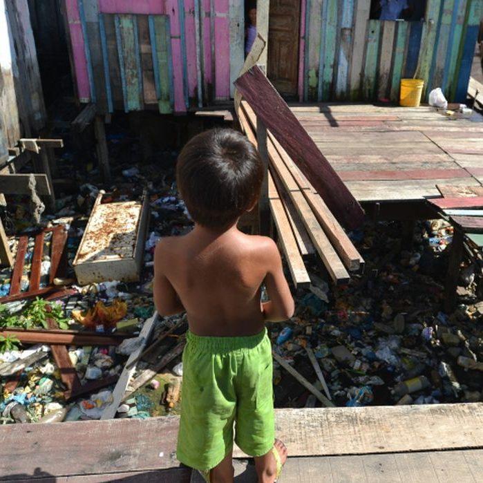 Pobreza infantil em países ricos deve seguir taxas pré-pandemia