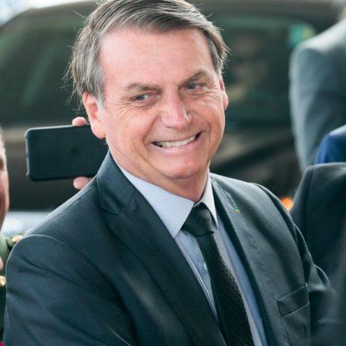 Bolsonaro faz piada homofóbica em sua primeira visita ao Maranhão