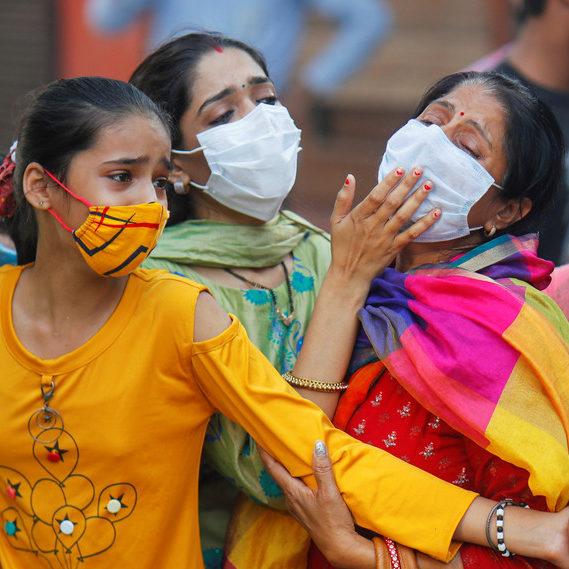Tsunami da Covid: jornalista conta efeitos da pandemia na Índia