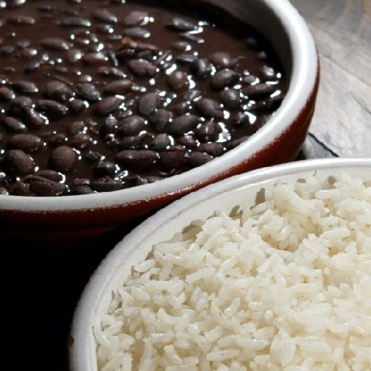 Preço do arroz e do feijão salta 10,64% e puxa inflação dos mais pobres