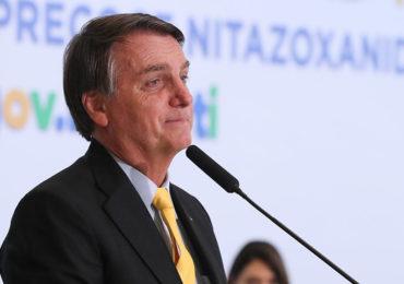 Bolsonaro apresenta vermífugo que poderia reduzir carga viral