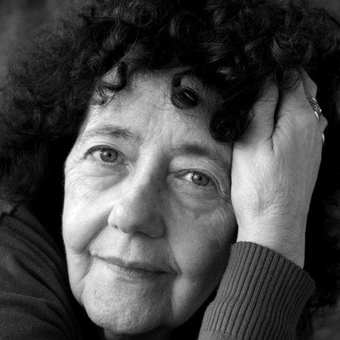 """Maria Teresa Horta: """"Auto-retrato"""" mostra as faces das mulheres"""