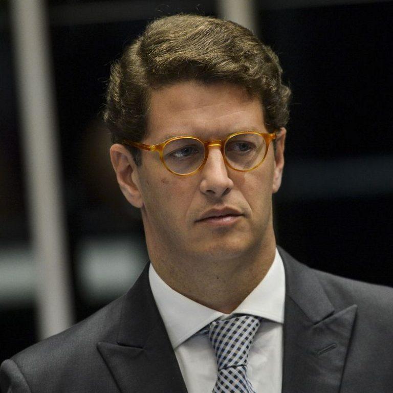 PGR pede abertura de inquérito contra Ricardo Salles no Supremo