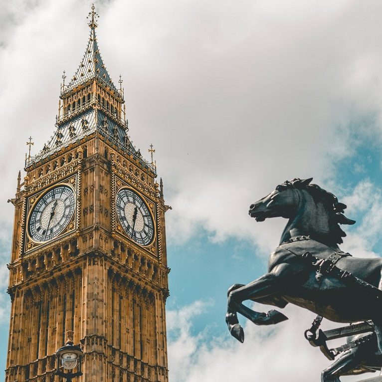 Reino Unido anuncia maior orçamento militar desde a Guerra Fria