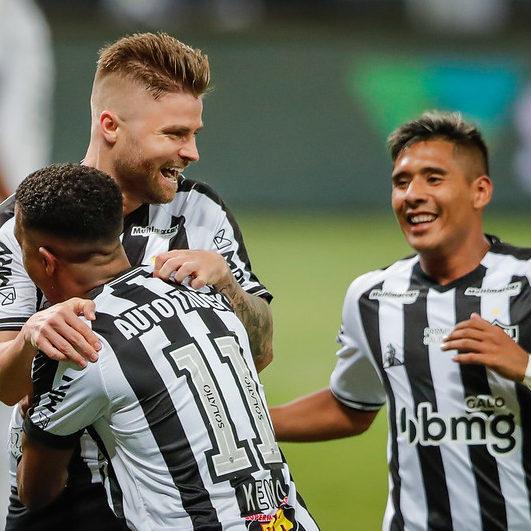 Atlético-MG vence o Botafogo e abre vantagem na liderança