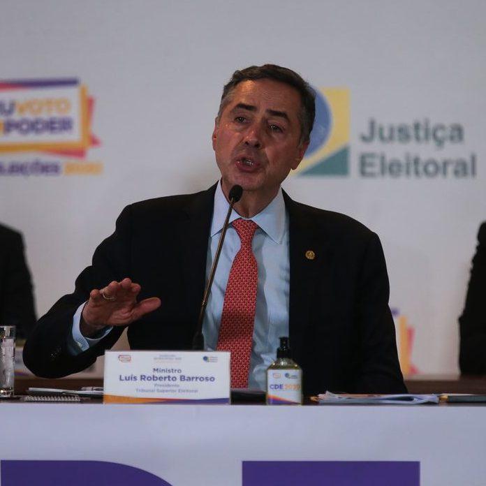 Abstenção ultrapassa 29% e presidente do TSE refuta voto impresso