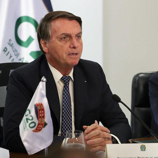 Bolsonaro defende política ambiental no G20 e é contestado