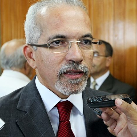 Edvaldo Nogueira é reeleito prefeito de Aracaju