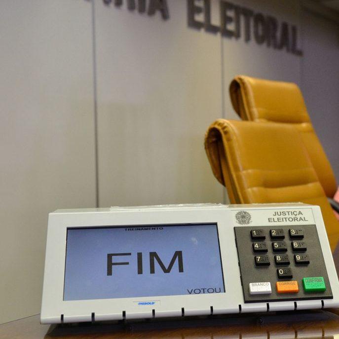 TSE: 713 urnas foram substituídas e 82 eleitores foram presos