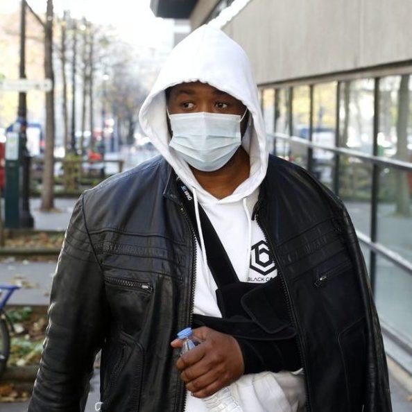 França indicia 4 policiais por agressão a produtor musical negro