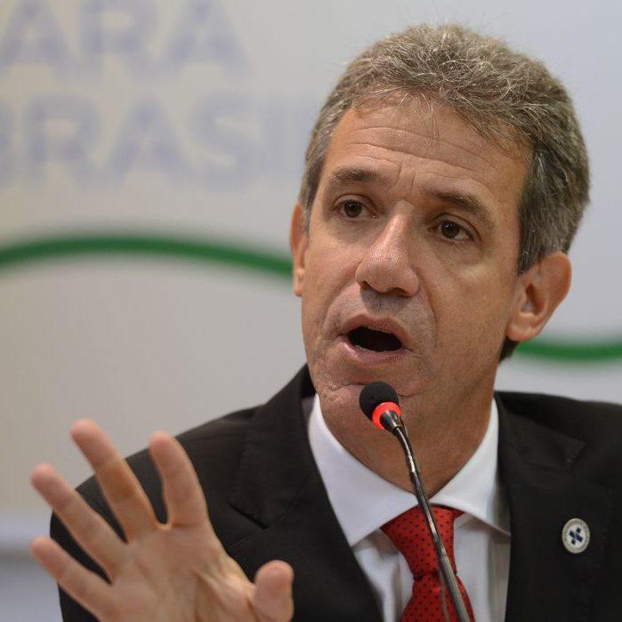 Ex-ministro da saúde: politização atrapalha confiança nas vacinas