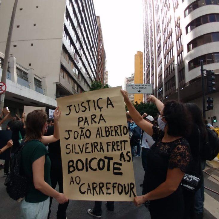 Assassinato no mercado: protestos pedem justiça por João Alberto