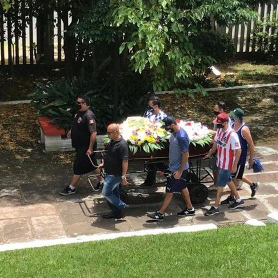 Corpo de João Alberto é enterrado em Porto Alegre