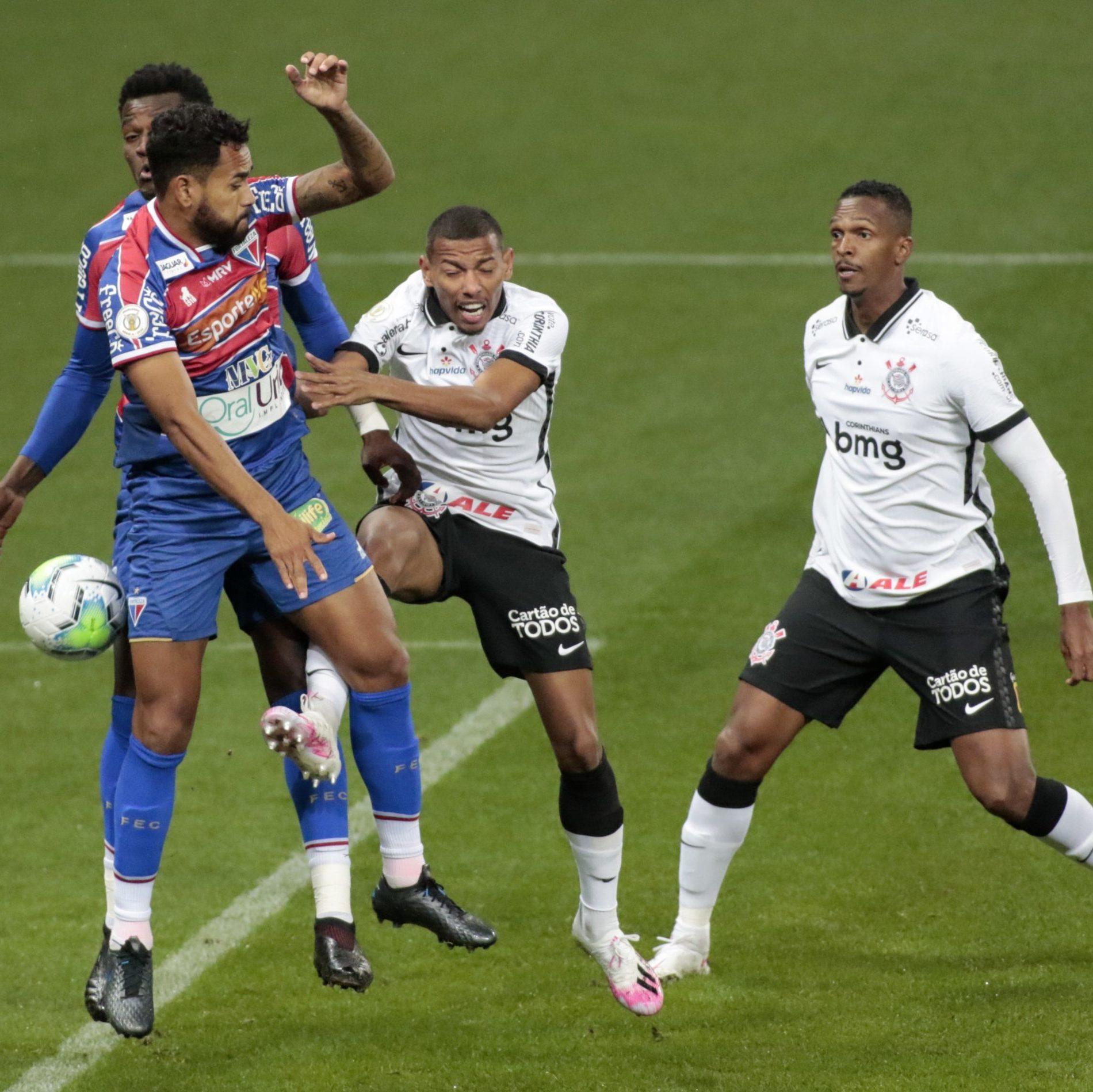Fortaleza e Corinthians empatam sem gols no Castelão