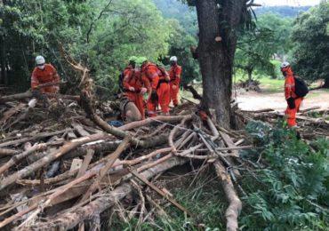 Bombeiros encontram 21ª vítima de enxurrada em Santa Catarina