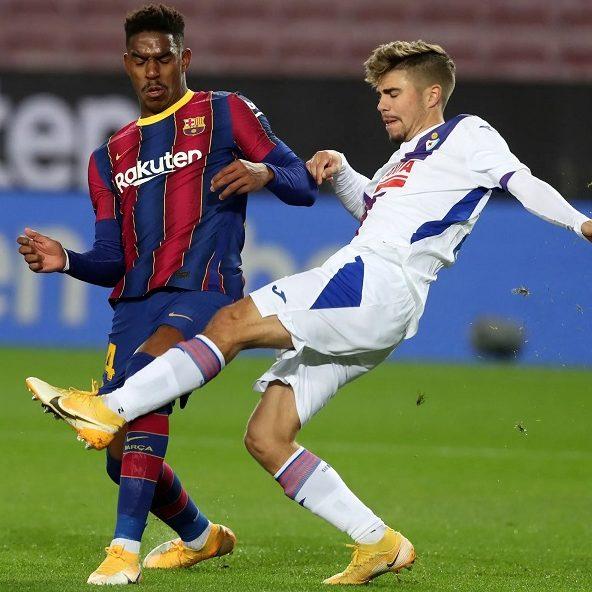 Barcelona tropeça em casa e fica a sete pontos dos líderes