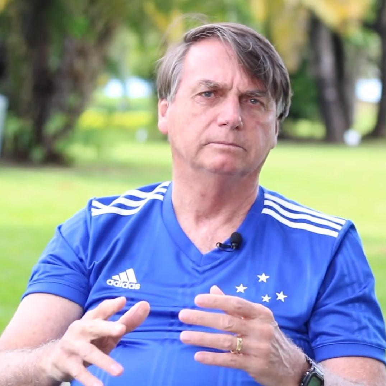 Bolsonaro minimiza alta de casos e não vê problemas em festas