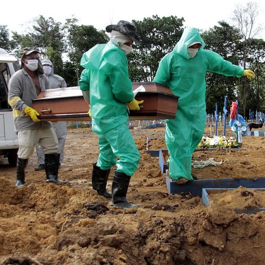 Brasil pode registrar 100 mil mortes por Covid-19 em abril