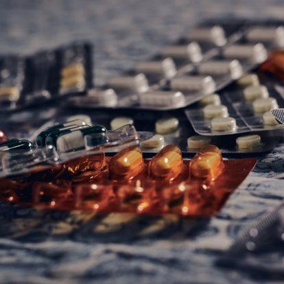 Revolução tecnológica e Covid-19 mobilizam setor farmacêutico