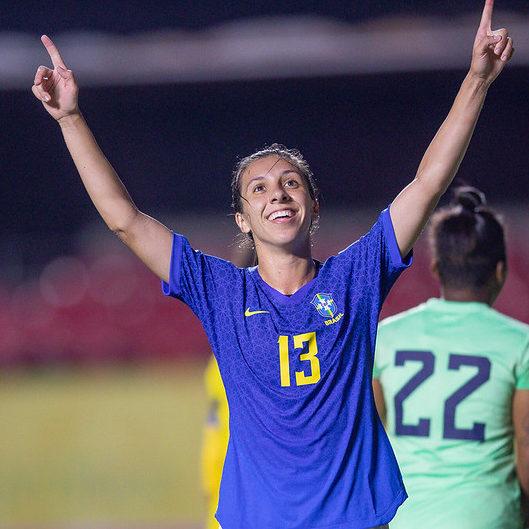 Brasil goleia Equador por 8 a 0 em despedida de 2020