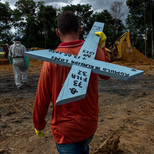 Brasil tem mais de mil mortes em 24h pelo 3º dia seguido