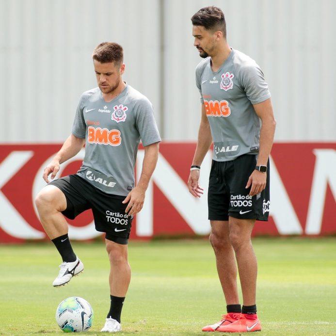 Corinthians afirma que 10 atletas testaram positivo para Covid-19