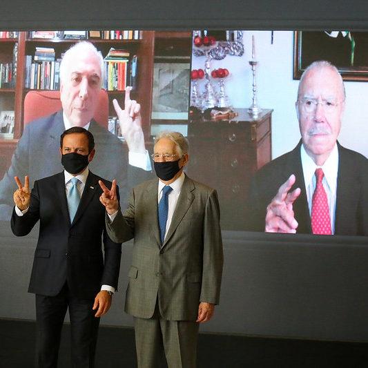 Ex-presidentes participam de ato em favor das vacinas em SP