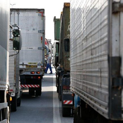 Acordos descumpridos motivam nova paralisação dos caminhoneiros