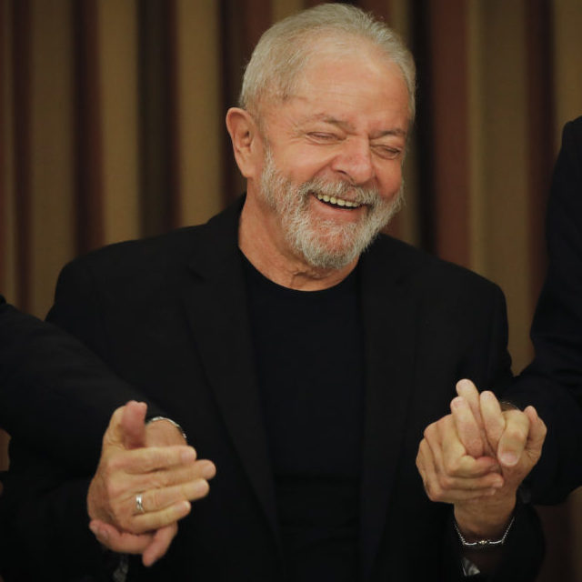 Justiça atende STF e dá a Lula acesso a mensagens